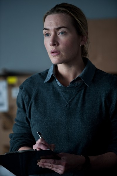 Kate-Winslet-Contagion-21