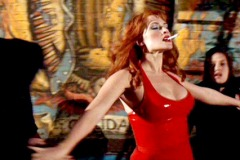 Kate-Winslet-Film-Romance-Cigarettes-Set-16